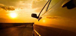 roulez en voiture sous le soleil d'Agadir : photo